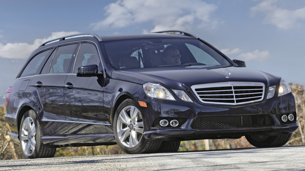 Передняя сторона Mercedes-Benz E-Class