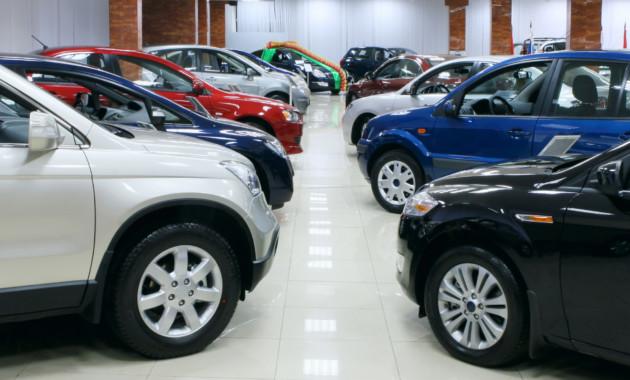 Эксперты обновили прогноз попродажам авто в нынешнем году