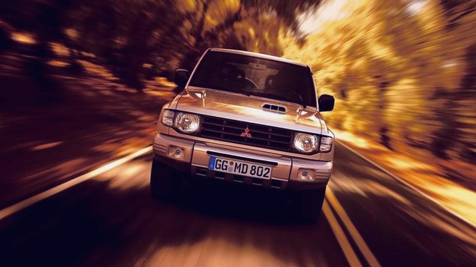 На фото: Mitsubishi Pajero Metal Top '1997–99