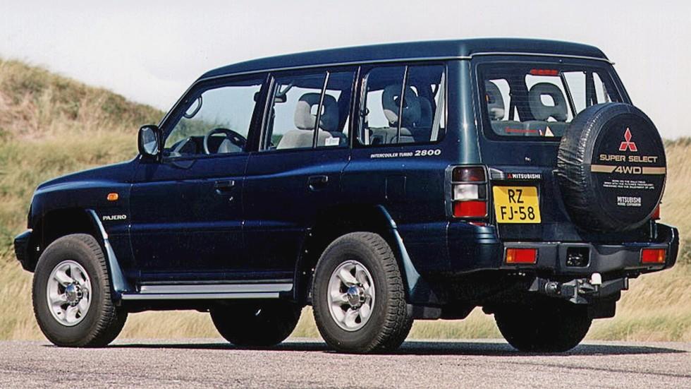 На фото: Mitsubishi Pajero Wagon '1997–99