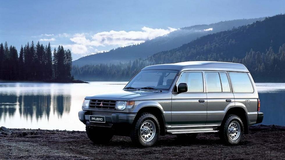 На фото: Mitsubishi Pajero Wagon GL '1991–97