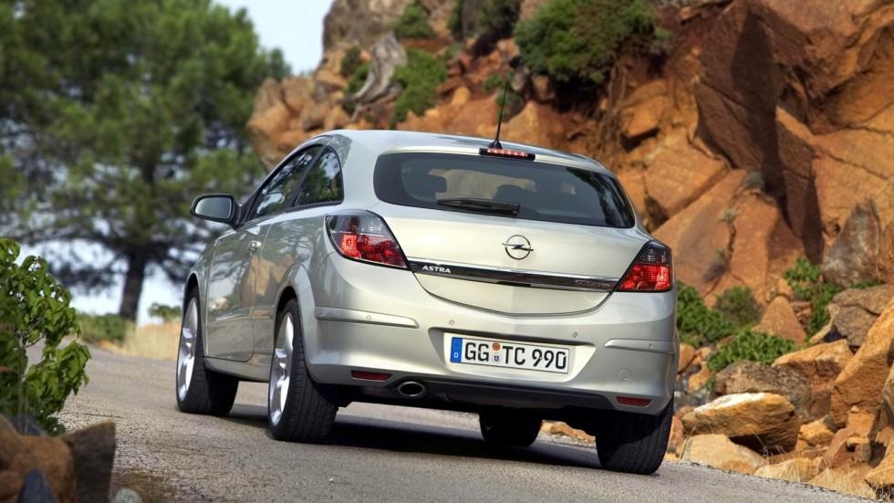 На фото: Opel Astra GTC (H) '2005–11