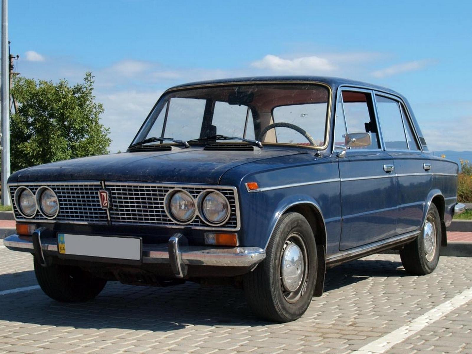 ВАЗ-2103 1973 года выпуска с номером кузова №002602. Автомобиль не  реставрировался