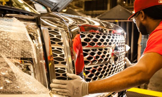 Ниссан нарастил производство авто в КНР натреть