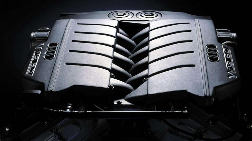 На фото: Под капотом Audi A8 L 6.0 quattro (D2) 2001– 2002