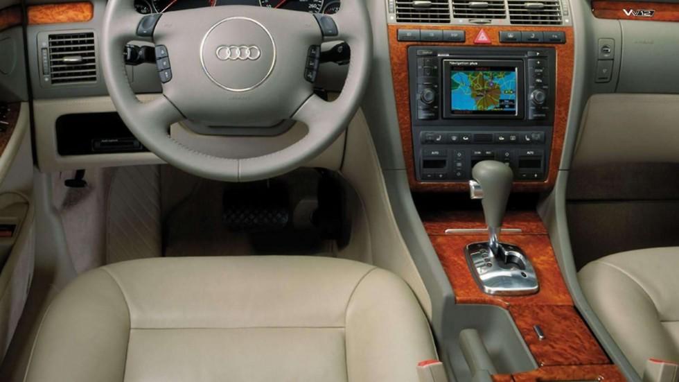 На фото: Интерьер Audi A8 (D2) 2001– 2002