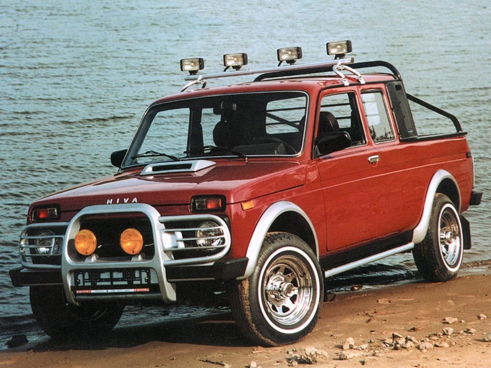На фото: пикап Lada 4×4