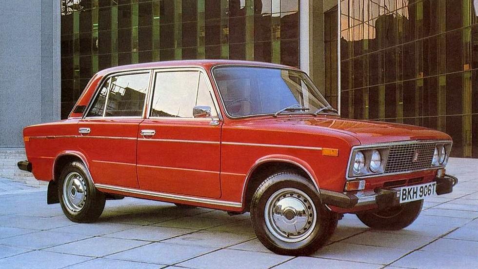 Как и прежние модели, «шестёрку» выпускали и с правым рулём