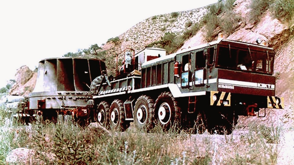 Многоцелевой балластный тягач КЗКТ-7427 с новой кабиной. 1986 год