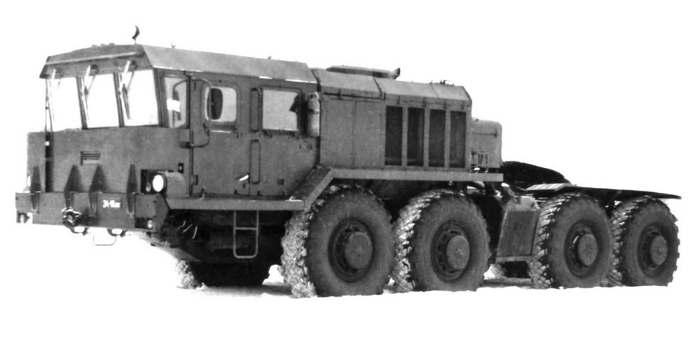 Базовый тягач семейства 7428 в варианте КЗКТ-74281 с лебедкой. 1988 год (из архива НИИЦ АТ)