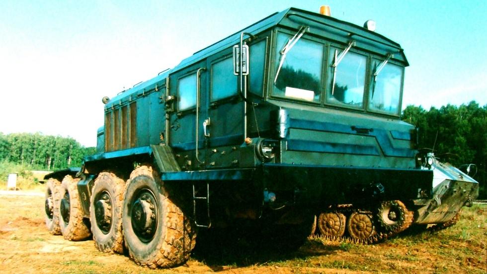 Автомобиль КЗКТ-74281 с 650-сильным дизелем V12 на испытаниях в 21 НИИИ (фото автора)