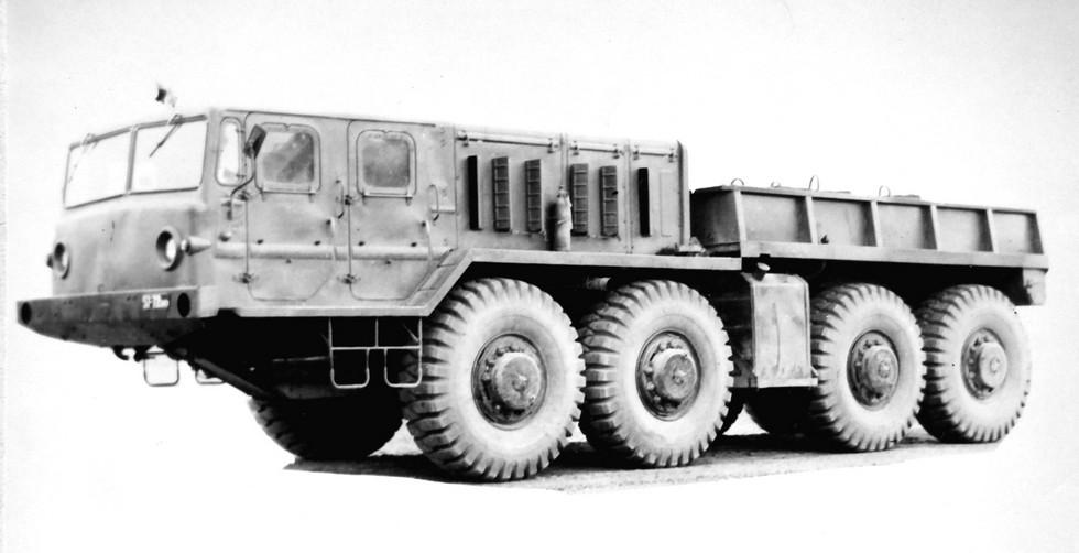 Балластный тягач МАЗ-545А с восьмиместной кабиной. 1973 год (из архива НИИЦ АТ)