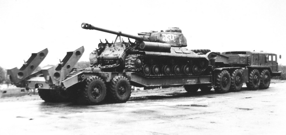 Испытания тягача МАЗ-545 с полуприцепом МАЗ-5247Г. 1973 год (из архива НИИЦ АТ)