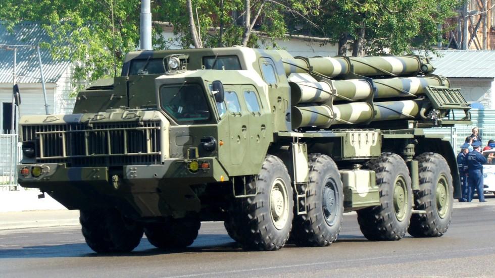 Мощная боевая машина «Смерч-М» на автомобиле МАЗ-543М (фото автора)