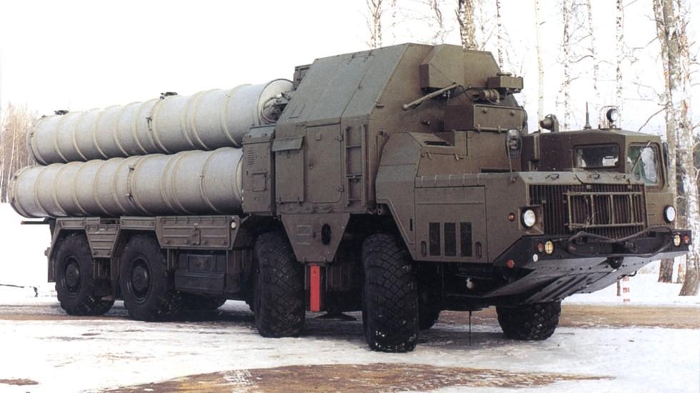 Основная пусковая установка 5П85С комплекса С-300ПМУ на шасси МАЗ-543М