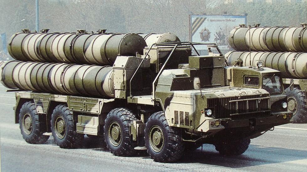 Ракетная установка зенитного комплекса «Фаворит» на параде в Минске (из архива СКБ-1 МАЗ)
