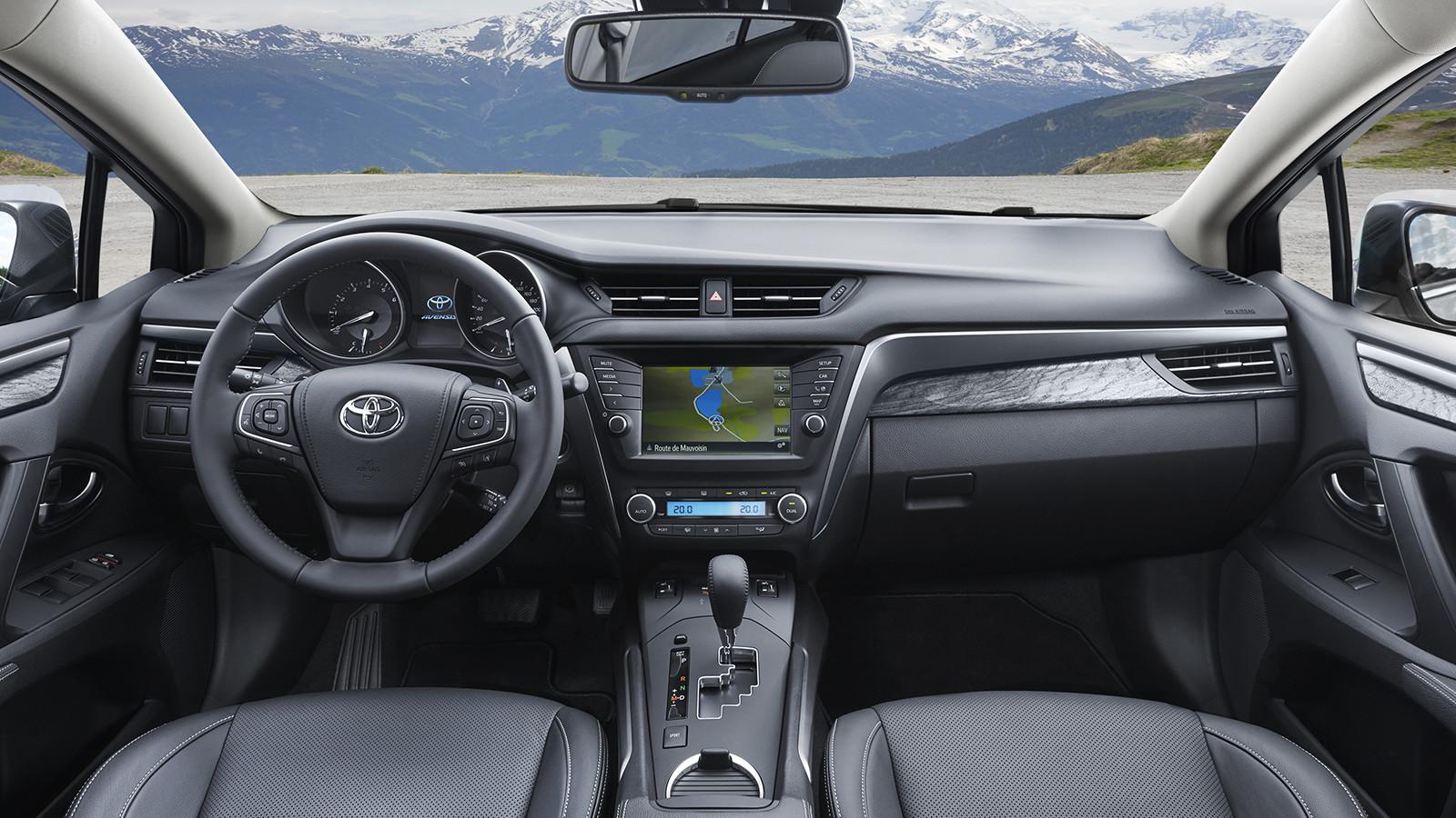 Тоёта вновь задумалась оботказе отмодели Avensis