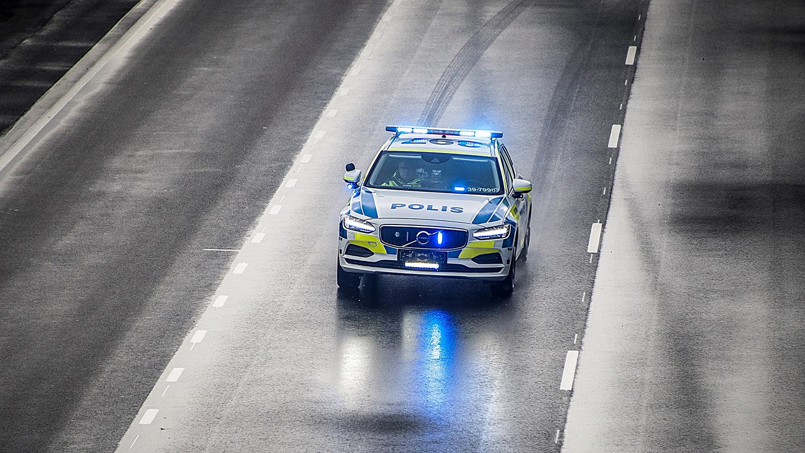 Полицейские Швеции пересядут в Вольво V90