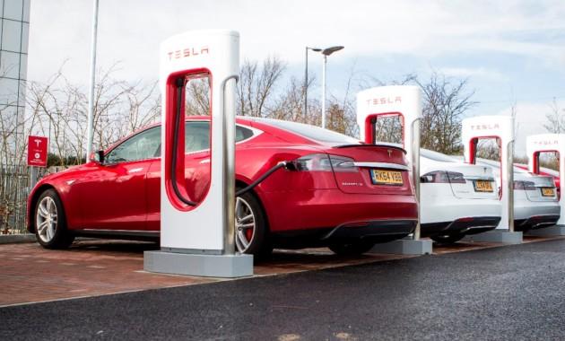 Зарядные станции Tesla Supercharger станут платными