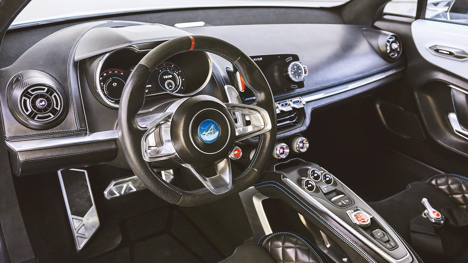 Серийный Alpine A120 появится летом 2017 года