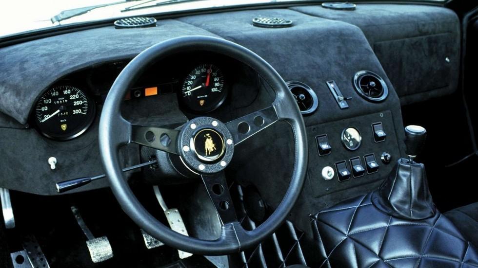 Быки под озверином: заряженные Lamborghini Боба Уоллеса