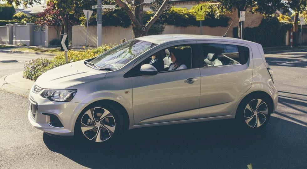 Holden озвучила стоимость улучшенного хэтчбека Barina