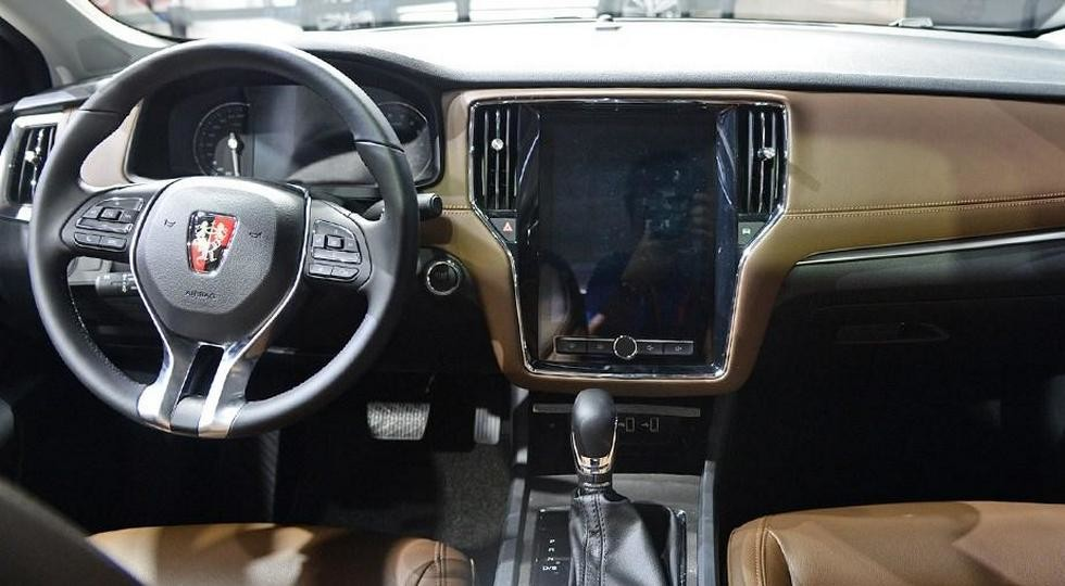 Новый SAIC Roewe i6 заменит седаны Roewe 550 и750