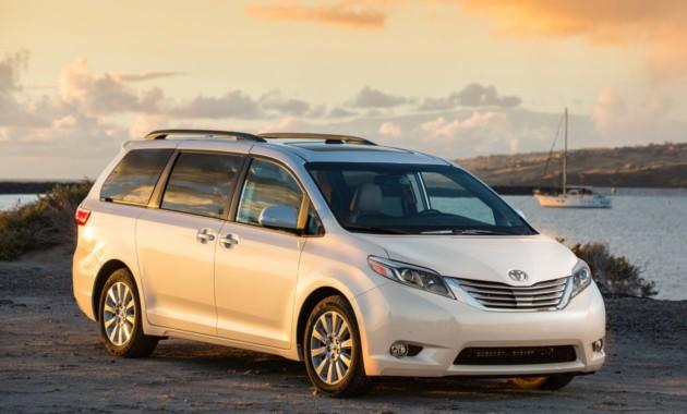Toyota отзывает более 800 тыс. минивэнов из-за проблем сдверьми class=