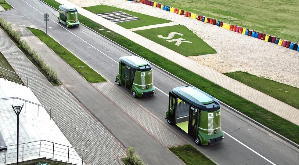 Медведев осмотрел русский беспилотный автобус Matrёshka