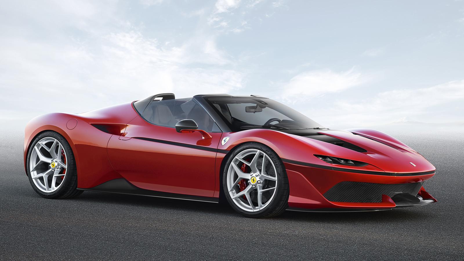 Феррари неожиданно представила новый суперкар