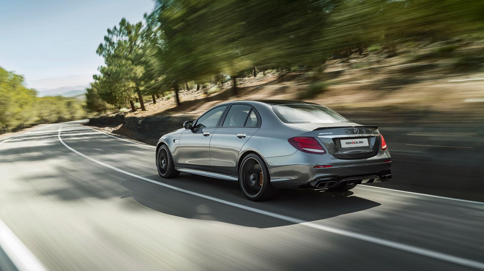 черный автомобиль Mercedes-Benz E-Class E63 загрузить