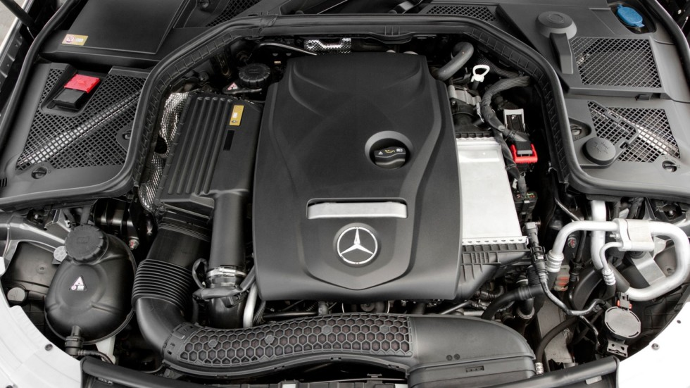 """""""Турбочетверка"""" объемом 2.0 литра под капотом Mercedes C300"""