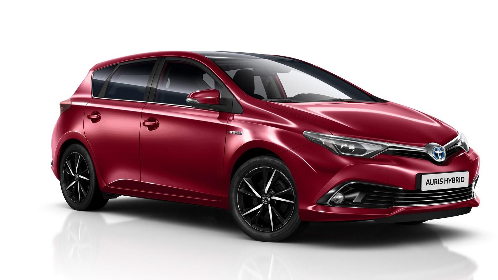 Тойота презентовала новые модификации минивэна Verso ихэтчбека Auris
