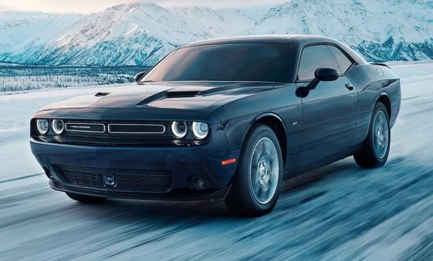Dodge официально представил версию сполным приводом Challenger