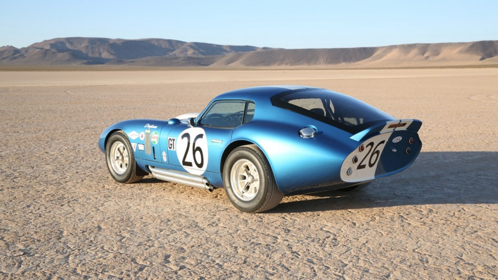 На фото: Shelby Cobra Daytona