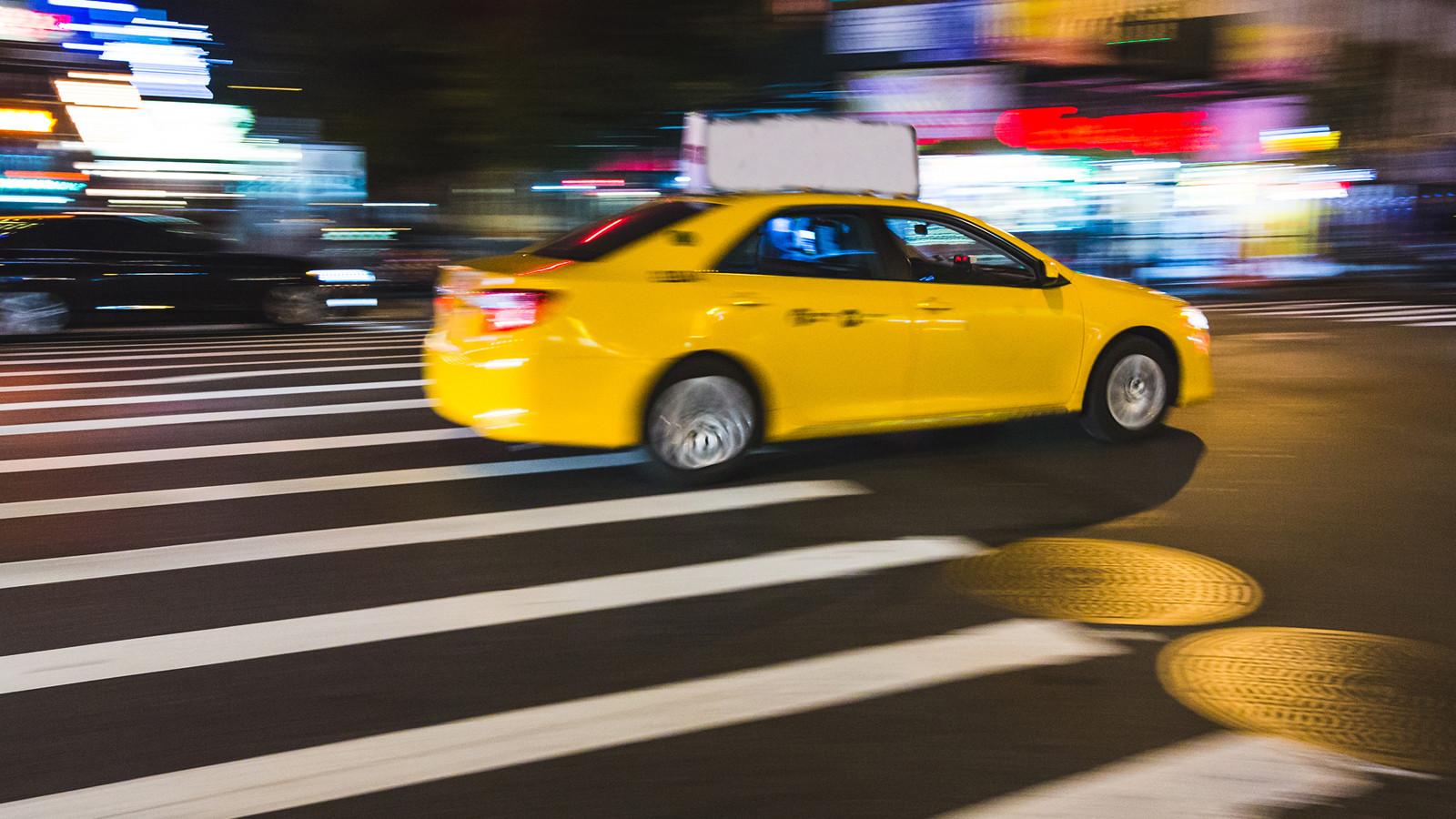 Компании такси хотят ввести встолице услугу проездного намесяц
