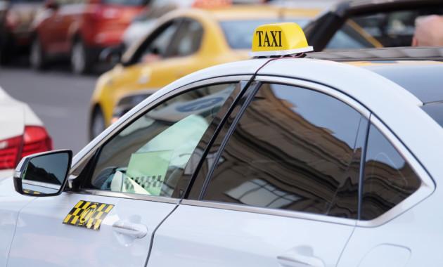 Uber иGettaxi могут ввести в столицеРФ абонементы-проездные