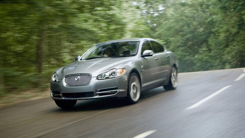 На фото: Jaguar XF '2008–11