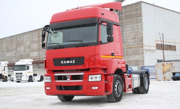 Осенью рынок фургонов в РФ продемонстрировал рост впервый раз загод
