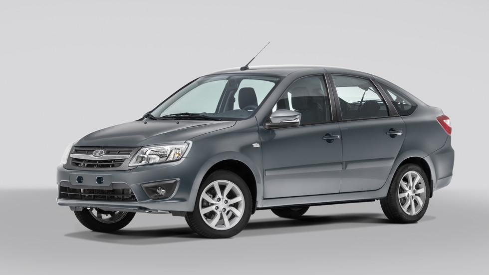 На фото: Lada Granta лифтбек. Цена на модель начинается от 404 400 рублей. Купить Гранту седан можно от 383 900 рублей