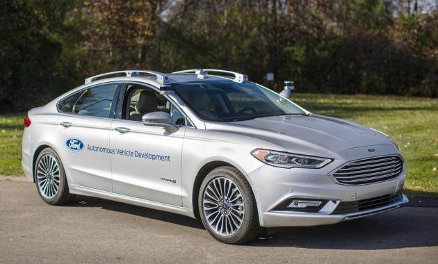 Ford покажет новое поколение «беспилотников» в январе