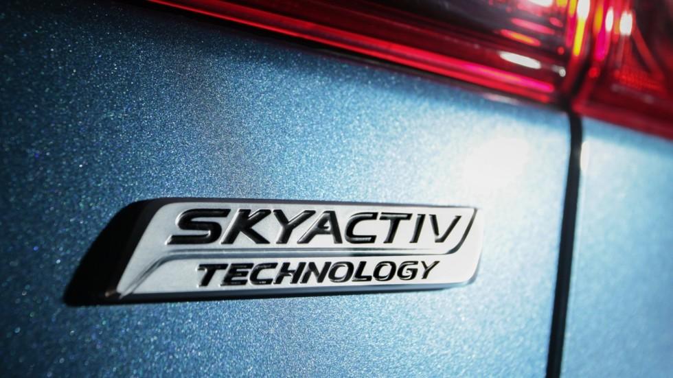 Mazda3_IPM_details_001