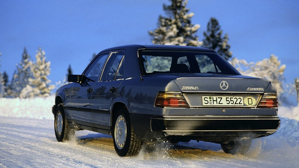 На фото: Mercedes-Benz 300 E 4MATIC (W124) '1987–1993