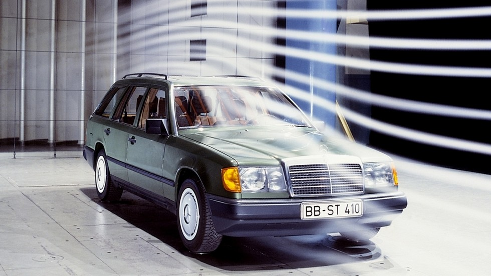 На фото: Mercedes-Benz E-Klasse T-Modell (Br.S124) '1986–93