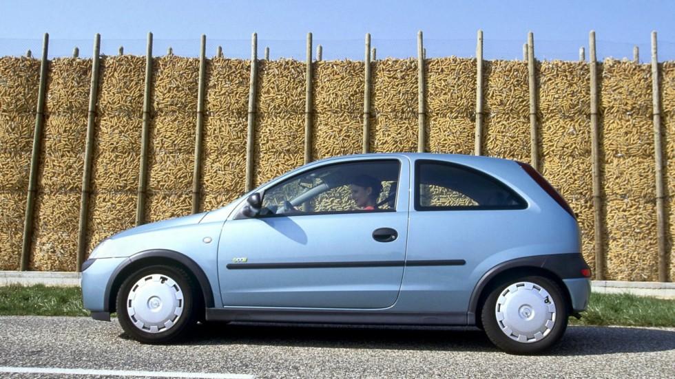 Opel Corsa 3-door (C) '2000–03ф