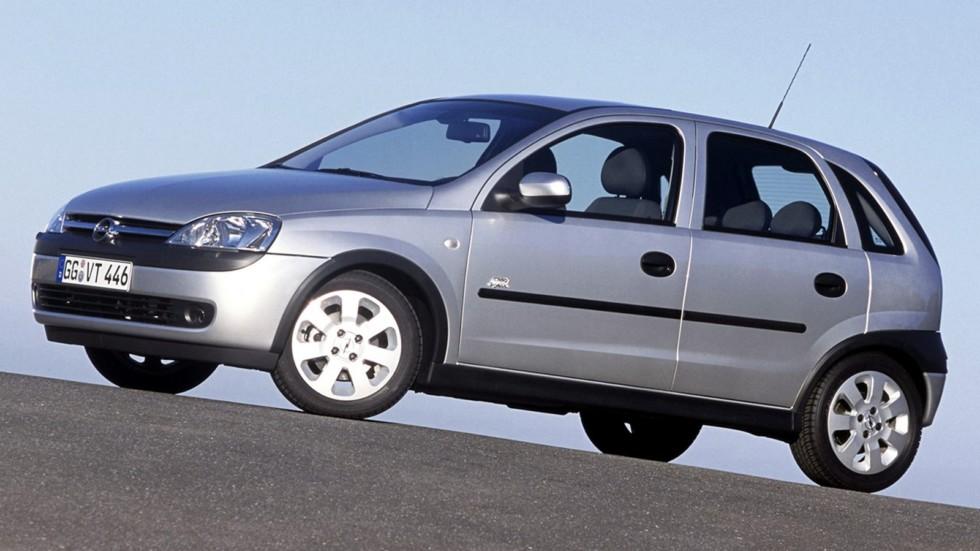 На фото:и Opel Corsa 5-door (C) '2000–03