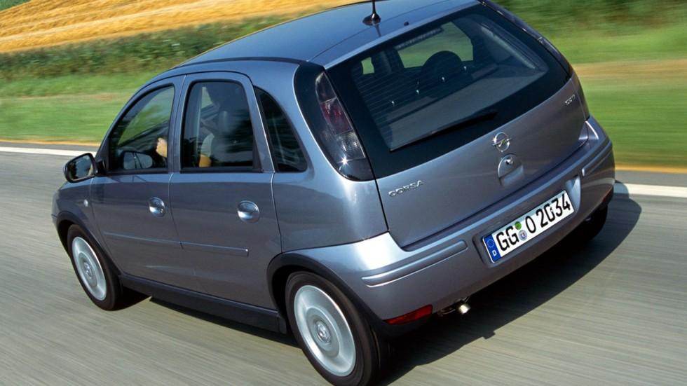 На фото: Opel Corsa 5-door (C) '2003–06