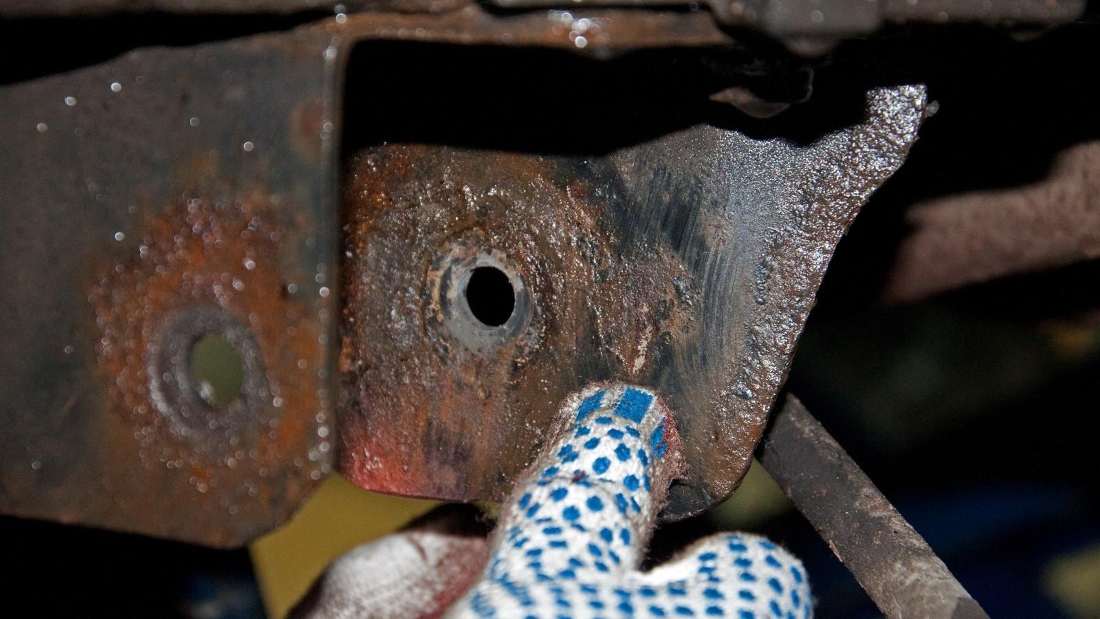 Замена задних сайлентблоков солярис своими руками