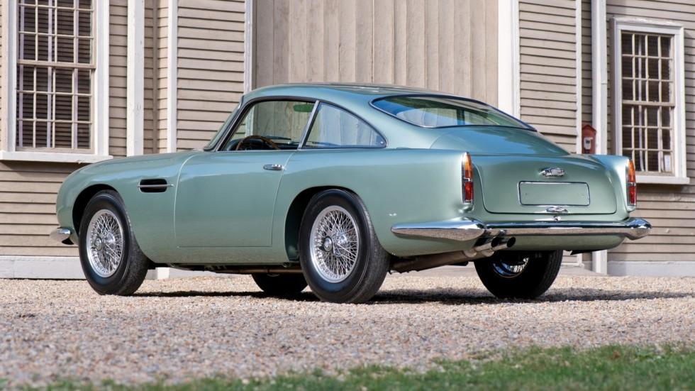На фото: Aston Martin DB4 G.T. Continuation
