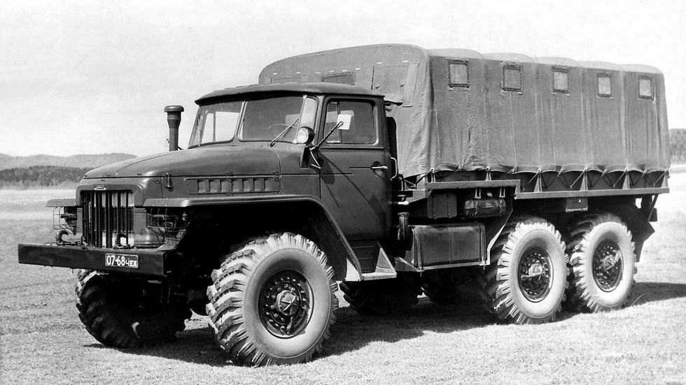 На фото: предсерийный Урал-375 '1961–63